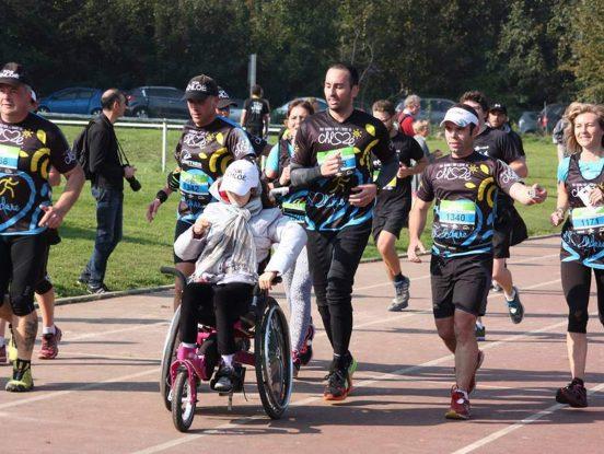 Personne handicapée pour course à pied sur piste