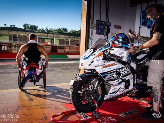 Equipement pour handicapé en moto