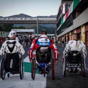 Equipement pour handicapé pour motard