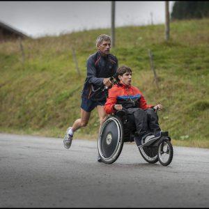 Course sur un fauteuil roulant