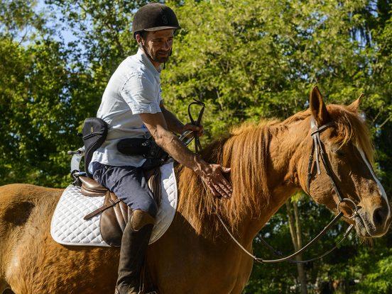 complicité cheval handi hippolib