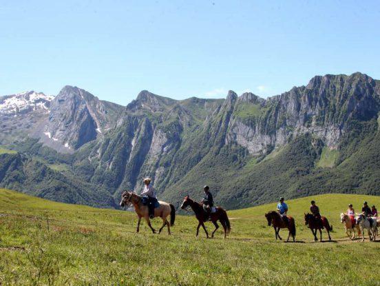 Balade à cheval en montagne