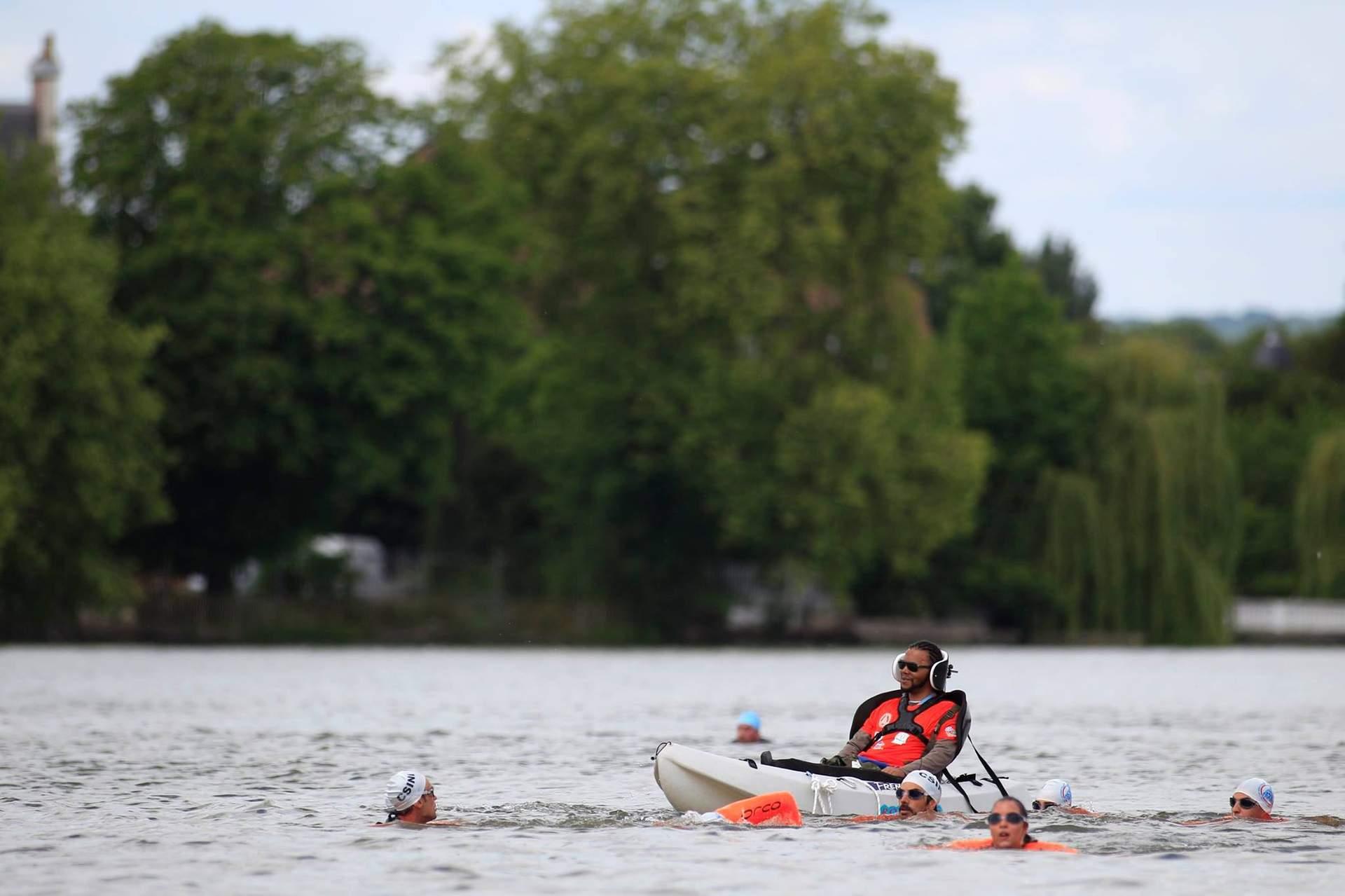 Personne handicapée en kayak