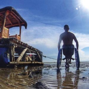 Fauteuil roulant 3 roues tout chemin TraceS sur la plage
